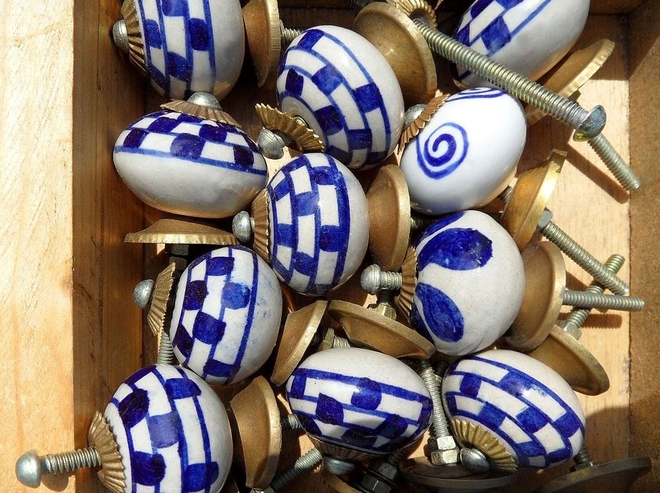 ceramic door knobs, vintage, DIY