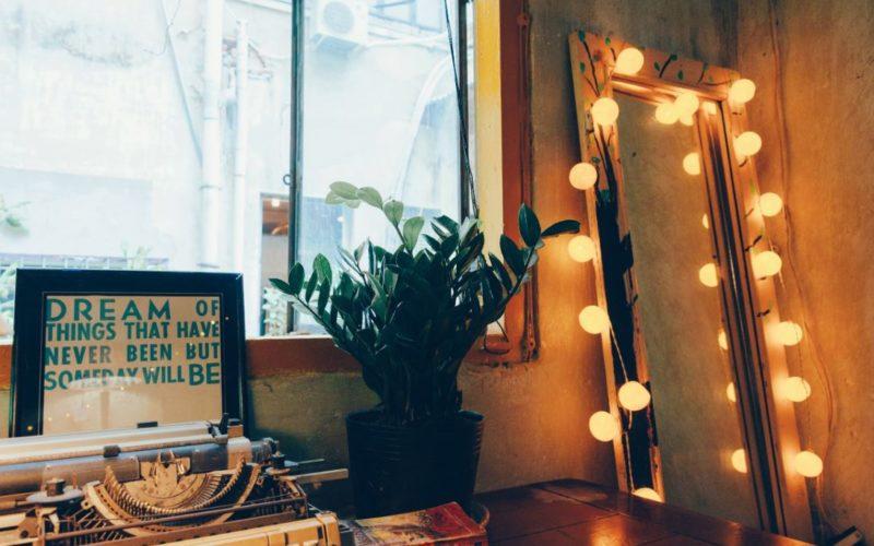 5 Interesting Vintage Bedroom Ideas